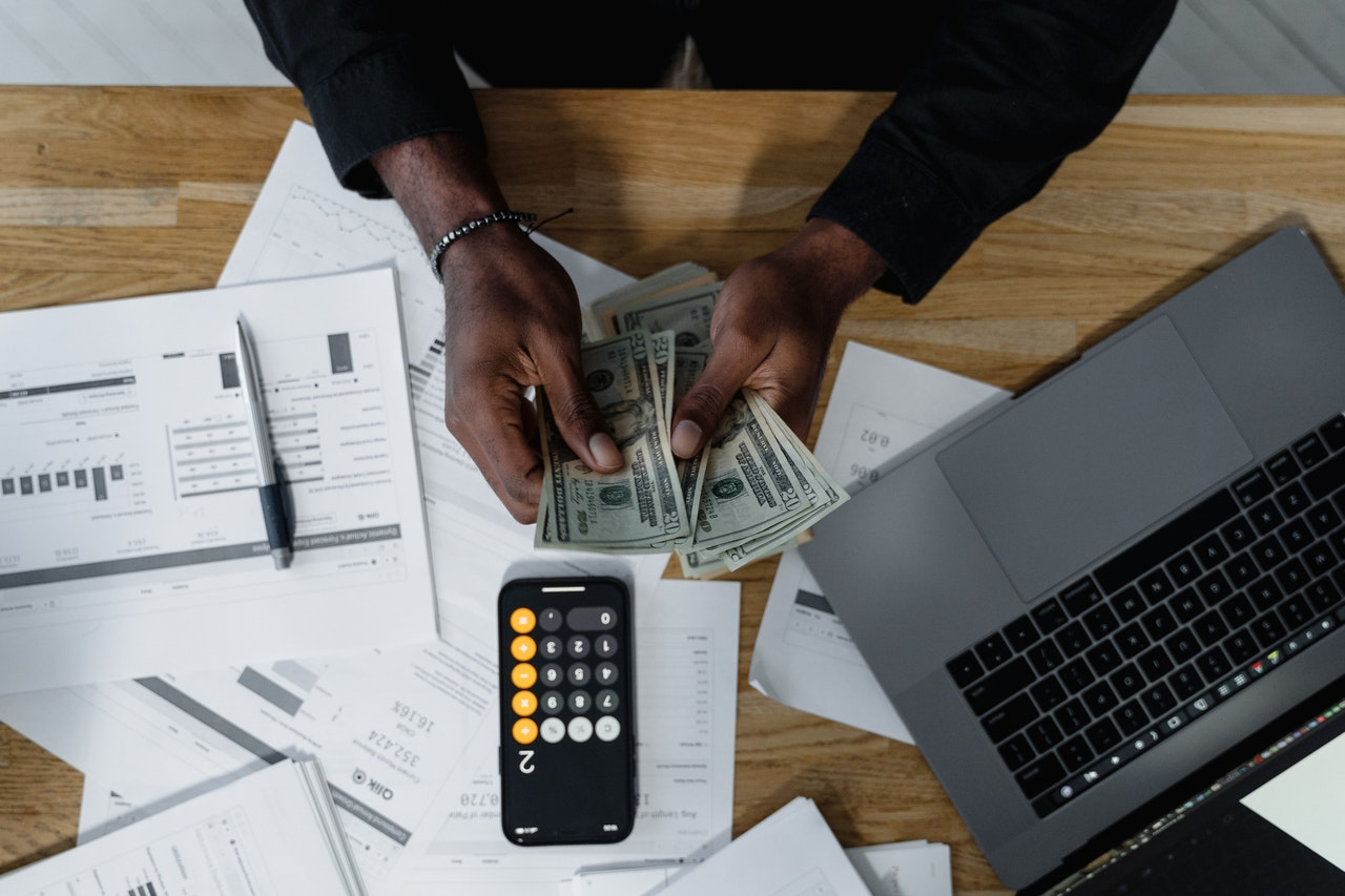 Why SMEs Should Outsource Their Tax And Accounting Functions In This Crisis?